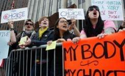 """""""Мое тело, мои права"""" – Европски активистки за правото на абортус потпишаа манифест"""